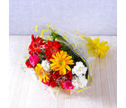 Giftacrossindia Bunch of Fifteen Colorful Gerberas, Carnations with Roses (GAIMPHD0016), 1000 gms